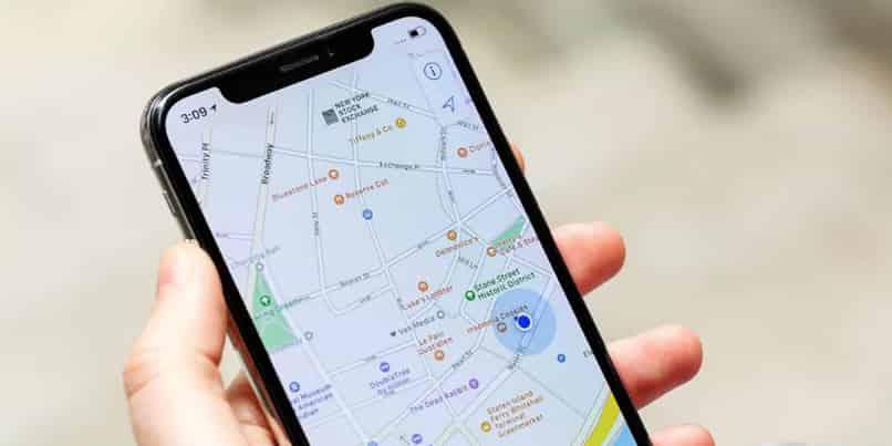 cambia la voce delle mappe su iPhone o Android